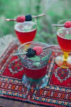 Berry drinks | Paula Bartosiewicz Photography | see more on: http://burnettsboards.com/2014/05/bohemian-gemstone-shoot-diy-elements/ #berry #cocktail