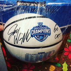 Villanova wins another Big East Tournament last night in NYC! Get this Jay Wright signed logo basketball w/ Steiner COA for $125! Comment below to claim..#villanova #basketball #autographs #sportsmemorabilia #ebayseller #bigeast #bigeastchamps #mainline #pennsylvania