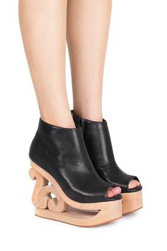 Jeffrey Campbell Shoes SKATE Vault in Black