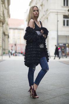 8d120ab175 Furry cardigan // szőrös kardigán – Missrebel distressed jeans // koptatott…