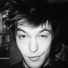 OMG!!! Breath taking young Reedus...