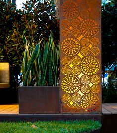 Laser cut corten steel / green home. My company fabricated a storefront recently in NYC using Corten steel panels. Garden Show, Dream Garden, Cut Garden, Landscape Design, Garden Design, Laser Cut Screens, Garden Screening, Deco Nature, Yard Art