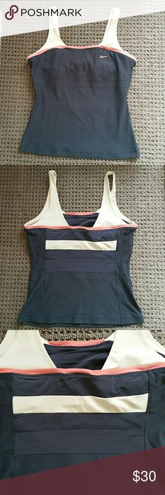 Nike tank top size S Excellent condition Nike Tops Tank Tops