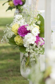 Pensacola outdoor ceremony / planning: Sara Gillianne Weddings / photo: by aislinnkate.com