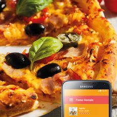 Noite de terça-feira pede uma pizza, né? Emoticon wink  Então aproveita que o Aguiar está com uma super promoção lá no nosso site: www.fomedemais.com. Se preferir pode usar o APP.  Oh, chega rapidinho, quentinha uma delícia    #FomeDemais #Delivery #PizzaAguiar