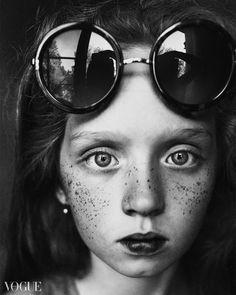 round glasses reflection