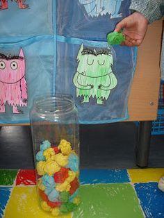 """Cómo trabajar las emociones dentro del aula basándonos en el cuento de """"El monstruo de colores"""" Más"""