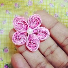 Ideas Quilling, Quilling Flowers Tutorial, Neli Quilling, Quilling Craft, Flower Tutorial, Quilling Comb, Quilling Letters, Quilling Flower Designs, Paper Quilling Cards
