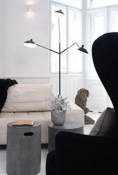 Pro relaxaci při čtení je určený ušák a čtecí lampa.