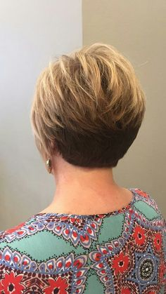 Short Stacked Wedge Haircut, Cute Hairstyles, Long Hair, Crochet Necklace, Hair Cuts, Hair Beauty, Sexy, Fashion, Haircuts