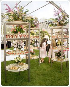 Never would have thought of this. outdoor buffet stands holding pre-made cocktails and appetizer bites. Perhaps to use as the cocktail reception while awaiting the dining set-up. Perfect for large party or wedding reception! Wedding Food Bars, Wedding Reception Food, Wedding Ideas, Trendy Wedding, Wedding Ceremony, Buffet Wedding, Party Buffet, Wedding Food Stations, Wedding Candy