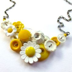 Yellow and White Daisy Flowers Retro Vintage Button Necklace by buttonsoupjewelry