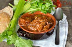 La coda alla vaccinara è un piatto tipico della cucina romana, fatto dalla coda del bue che viene stufata per molte ore e condita con tanto sedano.   INGRED