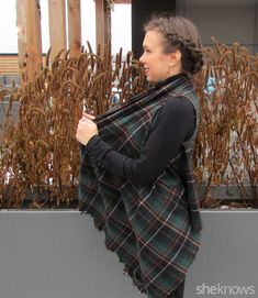 Reinvent an old scarf by making it a vest with this easy no-sew style hack The DIY blanket vest – SheKnows Diy Blanket Scarf, Scarf Vest, Diy Scarf, Blanket Coat, Scarf Ideas, Diy Fashion No Sew, Fashion Tips, Fashion Hacks, Punk Fashion