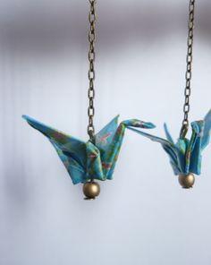"""boucles d'oreilles """" origami bleu sur chaîne """""""