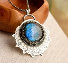 Detailed Bohemian Style Labradorite Necklace by EONDesignJewelry