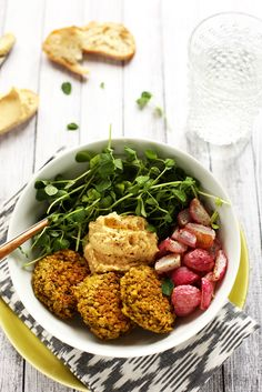 Green Pea Patty, Roasted Radish & Lemony Hummus Bowl   A protein-packed vegan and gluten-free spring meal!