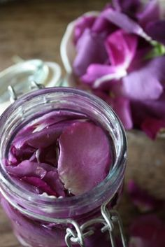 To make rosewater you need: fresh roses or rose petals- the stronger the scent the better 3 parts vodka, gin, or witch hazel extract 1 part distilled water glass jar with lid