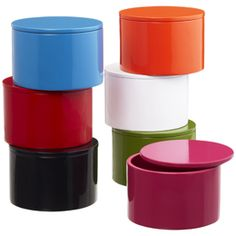 Round stackable boxes to store sewing notions