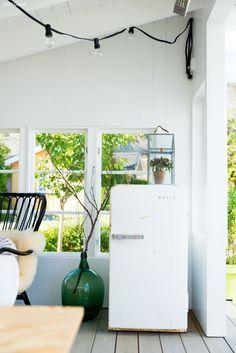 Ingrid har lagd en ny flott utestue i hagen. Her deler hun tegninger, tips og råd om hvordan du går frem. Outdoor Projects, Interior Inspiration, Filing Cabinet, Projects To Try, Home And Garden, Diy, House, Furniture, Garden Ideas