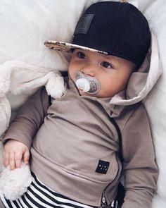 Cute Baby Boy, Baby Love, Cute Babies, Baby Kids, Baby Baby, Baby Outfits, Outfits Niños, Spring Outfits, Newborn Outfits