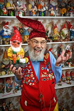 Ron Broomfield has a collection of over 1600 gnomes! #UltimateCollectors