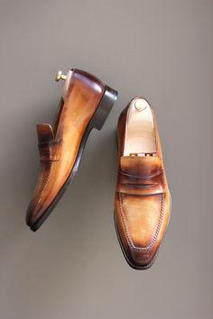 Studio Patina Septième Largeur, REF M057 #bottier #souliers #menstyle #mensfashion #mensfootwear #luxury #dandy #calceophile #modemasculine #patine #patina #chaussures #cirage #glaçage #mode #createur #luxuryshoes #Saintcrispin's #handmadeshoes #gentleman @ http://fr.pinterest.com/Linexio/luxury-shoes-souliers-masculins/