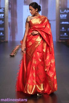 Models Walks For Santosh Parekh At Lakme Fashion Week Winter Festive 2016 - Hot Models Photo Gallery - High Resolution Pictures 18