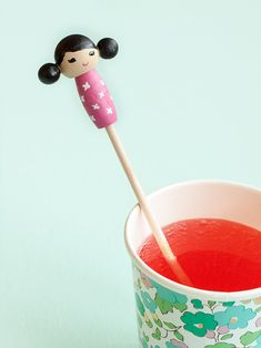 Make these adorable kiddie cocktail stir sticks inspired by Kokeshi dolls for your next party! Diy Kokeshi Dolls, Stir Sticks, Eat, Biscuit, Charlotte, How To Make, Handmade, Crafts, Drink
