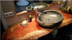 szép rusztikus hálószobák - Luxuslakások, házak 6 Wabi Sabi, Rustic Furniture, Vintage Designs, Fa, Sink, Diy Ideas, Home Decor, Home Decoration, Cottage Chic