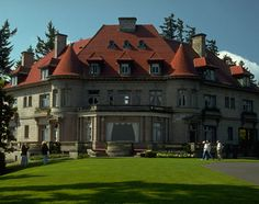 Pittock Mansion - For panoramic views of Portland, make the one-mile hike through Forest Park to the Pittock Mansion.