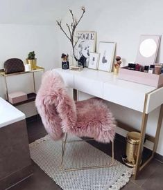 Have a beautiful monday girls with some rose gold interior inspiration Rose Gold Loving to glam to give a damn Curated gorgeous rose gold jewelry watches and styles you wont find anywhere else ! SALE UP TO OFF Rose Gold Interior, Deco Studio, Glam Room, Home And Deco, Dream Rooms, Dream Closets, Home Office Decor, New Room, Interior Inspiration
