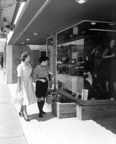 Window shopping in Hollywood, Florida (1955) #Broward100