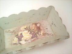 Shabby chic wooden tray by Dynamai 2017