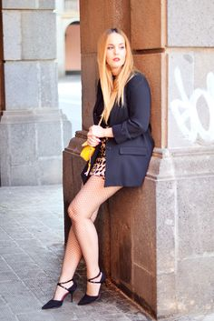 www.streetstylecity.blogspot.com Fashion inspired by the people in the street ootd look outfit sexy legs heels skirt fishnet miniskirt