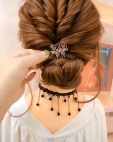 Visit to get around hairstyle tips nail art and a variety of needs for a healthy body Hairstyle Haircare Nailart naildesign diy # Bun Hairstyles For Long Hair, Long Curly Hair, Hairstyle Ideas, Easy Wedding Hairstyles, Curly Hair Baby, Running Late Hairstyles, Roman Hairstyles, Easy Toddler Hairstyles, Cool Easy Hairstyles