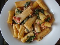 Simple Gourmet Cooking: Bacon Ranch Pasta with Spinach and Tomatoes