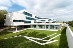 La nueva Escuela Secundaria Ergolding / Behnisch Architekten + Behnisch Architekten & Architekturbüro Leinhäupl + Neuber