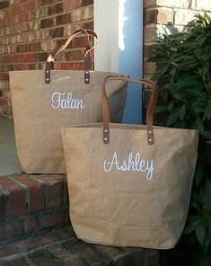 674c6a6e82 Set of 8 Personalized Monogrammed Large Jute Tote Bag with Leather Handles  - Monogram Bag - Lots of Colors! Bridesmaid or Wedding Party Gift