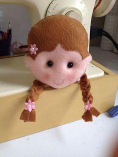 Fricotes da Juju: Carinha de boneca em feltro tamanho 11cmx 9cm