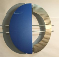 Modern metal wall art - Metallic blue and stainless steel Modern Metal Wall Art, Metallic Blue, Circle Design, Three Dimensional, Sculptures, Projects To Try, Stainless Steel, Contemporary, Home Decor