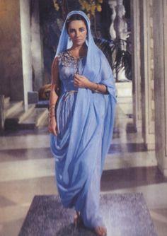 Elizabeth Taylor, Cleopatra costume test
