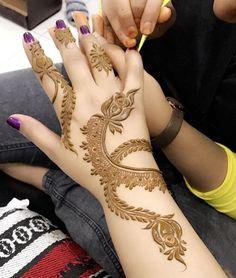New Winter Bridal 2019 49 Ideas Round Mehndi Design, Mehndi Designs 2018, Modern Mehndi Designs, Mehndi Design Pictures, Mehndi Designs For Girls, Mehndi Designs For Fingers, Dulhan Mehndi Designs, Mehndi Designs For Hands, Henna Tattoo Designs