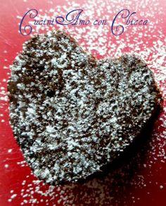 Muffin a cuoricino ripieni di cioccolato bianco
