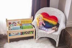Montessori Playroom, Toddler Playroom, Toddler Books, Small Playroom, Maria Montessori, Montessori Toddler, Playroom Ideas, Child Love, Baby Love