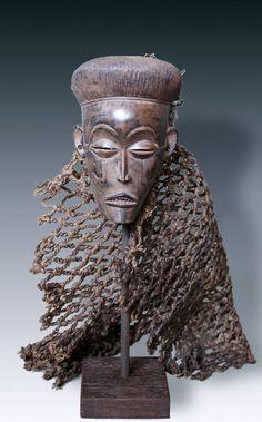 Miniatur forhead-mask, tribe of the Chokwe,       D. R. Congo, Angola