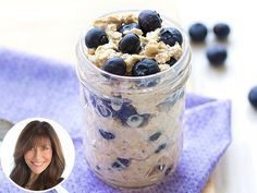 EZ breakfast… from Hungry Girl! BONUS: You'll get to sleep longer if you make it. Get the recipe for 238-calorie Blueberry Muffin Overnight Oats (6 SmartPoints)!