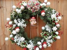 CHRISTMAS BASEBALL THEME Evergreen Wreath Snowman Snowflakes Snowballs Holly Leaves Glitter Sprays Snowflake garland Wall Decorations Door