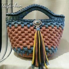 Yarn Bag, Diy Tote Bag, Crochet Tote, T Shirt Yarn, Handmade Bags, Fingerless Gloves, Women's Accessories, Straw Bag, Bucket Bag