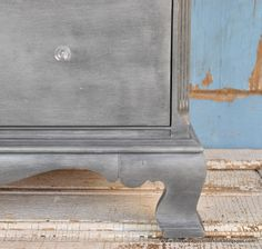 Zinc Type Finish. Annie Sloan Graphite sanded, Waxed, topped with Decoart Silver Metallic Paint by the Salvaged Collection, blog